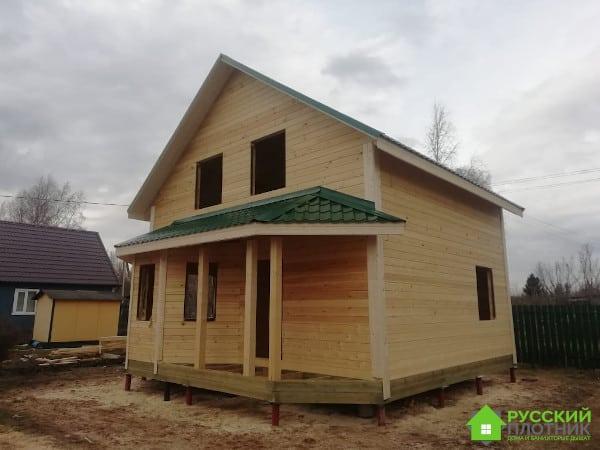 Полутораэтажный дом в Волховском районе